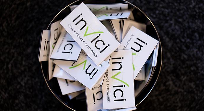 Invici är ett interims- och rekryteringsföretag för kvalificerade ekonomer
